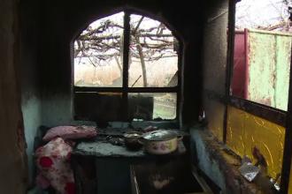 Incendiu puternic la o casă din Bihor. O fetiță a fost salvată, dar bunicul ei a murit
