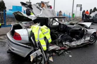 Accident grav, provocat de un tânăr fără permis. Şi salvatorii au fost loviţi de o maşină
