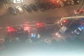 Un salon de înfrumusețare din Capitală, în flăcări. Traficul este blocat