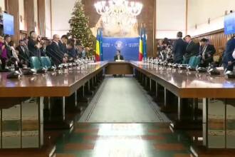 Deputații, raport de respingere al proiectului privind abilitarea Guvernului de a da ordonanțe în vacanță