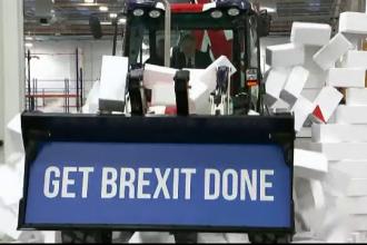 Boris Johnson jubilează după câștigarea alegerilor: