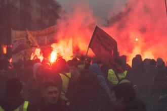 Efectele grevei masive din Franța. Turiștii își anulează rezervările, localnicii nu mai ies din case