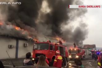 O sală de evenimente din Gherla a fost mistuită de flăcări