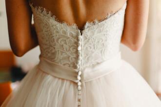 """Motivul uluitor pentru care o tânără s-a căsătorit cu ea însăși: """"A fost emoționant"""""""