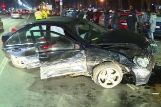 Un tânăr din Capitală a provocat un accident violent după ce ar fi trecut pe roșu