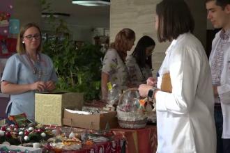 Târg de Crăciun cu produsele fabricate de pacientele spitalului din Târgu Mureș. Ce vor face cu banii