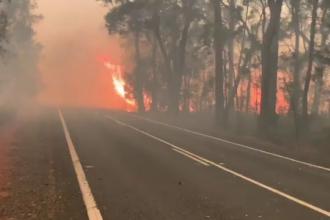 Incendiile uriașe din Australia continuă să facă victime. Cum au murit doi pompieri