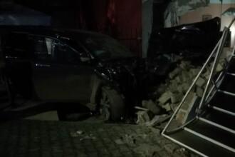 Accident violent produs de un om de afaceri din Petroșani. 4 persoane au fost rănite