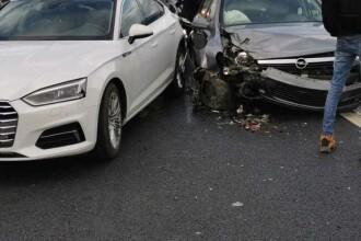 Accident în lanț pe A1. Printre victime se află și copii