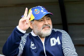 Maradona e internat în spital. Fostul jucător va fi operat de urgență pe creier