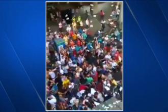 """Ploaie cu bani într-un oraș din Columbia. Zeci de oameni s-au bucurat de """"minune"""""""