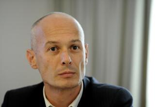 Fostul preşedinte al Camerei Deputaţilor Bogdan Olteanu, condamnat la 7 ani închisoare