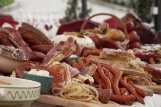 Rețetele pregătite de bucătari pentru masa de Crăciun. Cum se răsfață românii