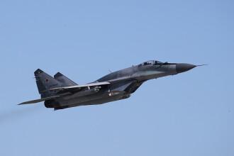 Un avion de luptă al forțelor aeriene s-a prăbuşit în Serbia. Doi morți și un rănit