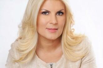 Ce le-a urat Elena Udrea românilor pe Facebook. Răspunsurile pe care le-a primit