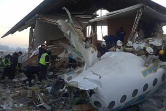 Mărturia unui supravieţuitor din avionul prăbuşit vineri. Toţi cei din faţa lui au murit