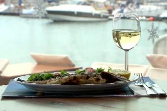 Românii schimbă meniul și înlocuiesc porcul cu peștele. Ce preparate au ales să mănânce