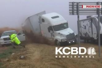 Accident spectaculos filmat pe o autostradă din Texas