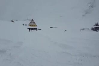 Risc foarte mare de avalanşă în Munţii Făgăraş. Turiştii, sfătuiți să nu iasă din cabane