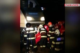 O mașină a fost spulberată de tren în Timiș. Șoferul a ajuns la spital în stare gravă