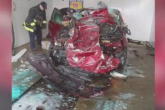 VIDEO. Un șofer a privit neputincios cum mașina sa a fost spulberată într-o spălătorie