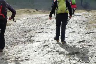 Au urcat pe cei mai înalți munți pentru ca Moș Nicolae să vină și la copiii cu autism din București