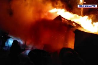 Incendiu devastator la o locuință din Olt. Un bătrân a ajuns la spital cu arsuri