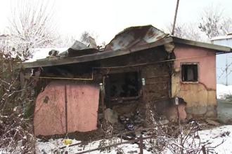 Incident tragic în Dâmbovița. Un fost pompier a murit ars de viu, în propria casă