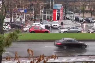 Un șofer a intrat pe contrasens într-una dintre cele mai aglomerate intersecții din Galați. VIDEO