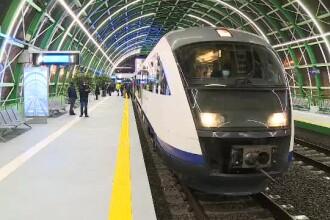 Primele curse cu trenul între Gara de Nord și Aeroportul Otopeni au întârzieri mari