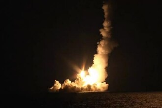 Rusia a testat patru rachete balistice, lansate de pe submarinul nuclear Vladimir Monomah
