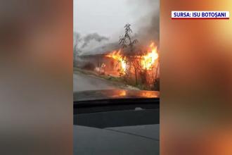 O casă din Dorohoi, județul Botoșani, înghițită de flăcări uriașe. Pompierii nu au mai putut salva mare lucru