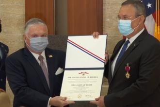 Nicolae Ciucă, decorat cu Legiunea de Merit de SUA. Reacția președintelui Klaus Iohannis