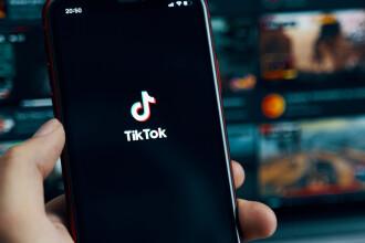 TikTok va afișa informații oficiale cu privire la vaccinuri în video-urile utilizatorilor