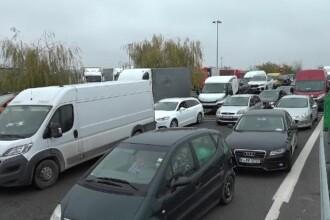 De ce au fost blocate punctele de frontieră cu Ungaria. Şoferii s-au temut că le expiră testul COVID