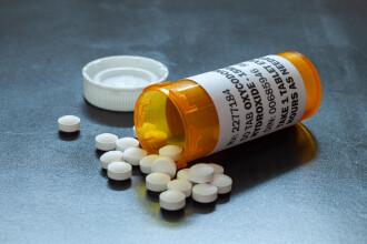 Consilier local din Băilești, trimis la închisoare pentru trafic de droguri prin farmacia soției