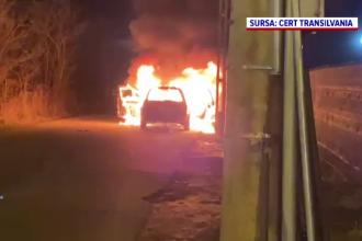 Un șofer din Cluj a simțit miros de fum și a oprit. Mașina s-a transformat imediat într-o bilă de foc