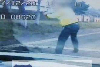 ANIMATIE GRAFICA: Cum a avut loc urmarirea in care politistii au impuscat mortal un sofer. Momentul final, filmat