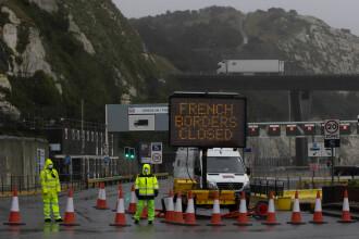 Şoferi români blocaţi la frontieră în UK, după închiderea granițelor. MAE a cerut Franței urgentarea soluţionării situaţiei