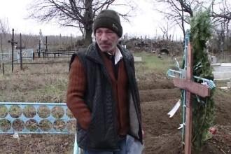 Un bărbat a venit acasă și a aflat că familia lui l-a crezut mort și l-a îngropat. Cine era de fapt decedatul