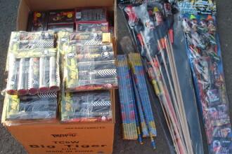 Sute de kg de articole pirotehnice, confiscate în județul Alba, după mai multe percheziții