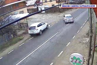 Un șofer a vrut să evite impactul cu o altă mașină și a ajuns într-un gard, într-o comună din Bacău