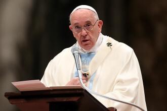 Papa Francisc i-a criticat pe cei care au plecat în vacanţă pentru a scăpa de restricţiile anti-COVID-19