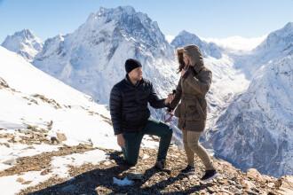 """A căzut de pe stâncă imediat ce logodnica lui a spus """"DA"""". Urcaseră în vârf de munte, pentru romantism"""