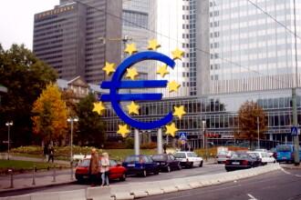 Cursul valutar, stabil: un euro este cotat la aproximativ 4,29 de lei