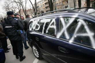 Cu masina la protest! Taxa auto scoate din nou soferii in strada