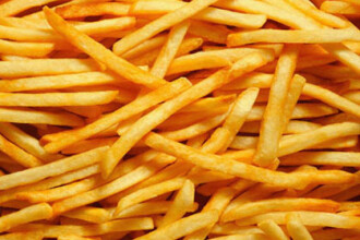 Noii cartofi prajiti de la Burger King vor avea 30% mai putina grasime si 20% mai putine calorii
