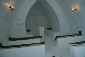 Biserica de gheata de la Balea Lac a fost sfintita