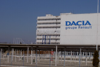 Salariile angajatilor Dacia cresc cu 110 lei, plus prima de 400 lei