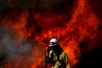 Incendiu spectaculos in inima unui cartier din Londra